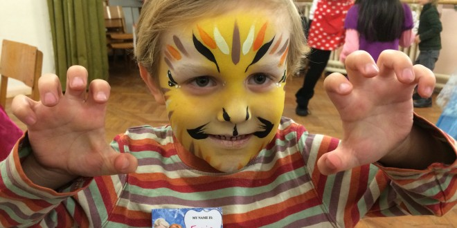 Isabella's Frozen Party - Ellis is a lion